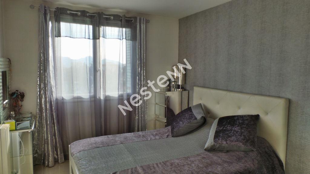 Appartement Marseille (13005) 3 pièce(s) 70 m2 + Balcon 4 m²