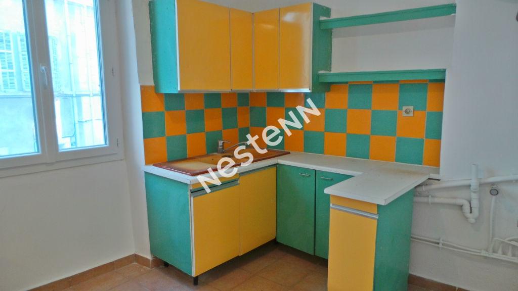 Appartement Marseille (13005)  1 pièce(s) 27 m2