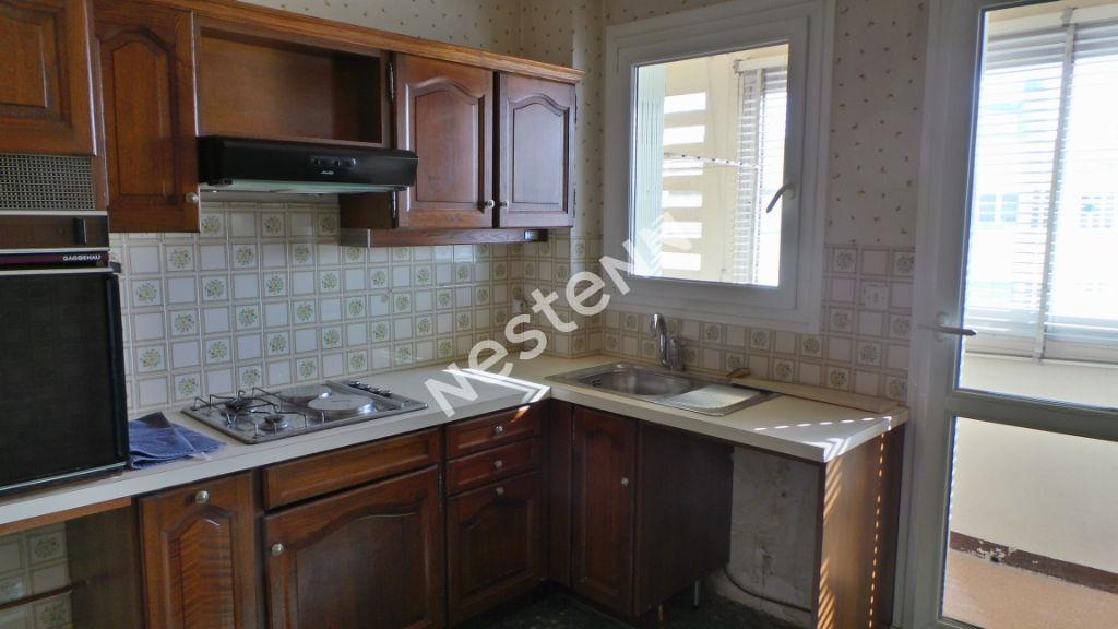 Appartement Marseille (13005) 3/4 pièce(s) 86 m2 + Terrasse 11 m²