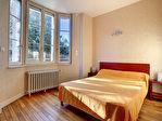 Néris Les Bains, immeuble comprenant  9 Appartements 9/18