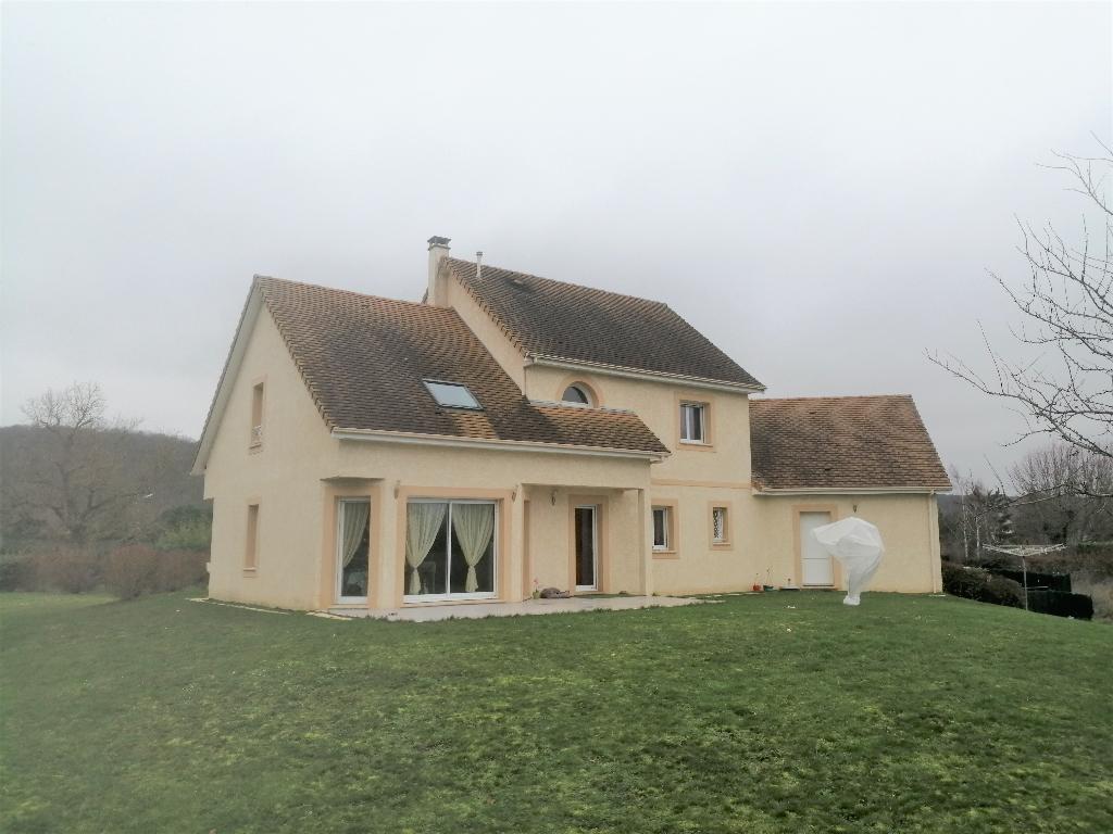 Maison traditionnelle de 169m² état impeccable