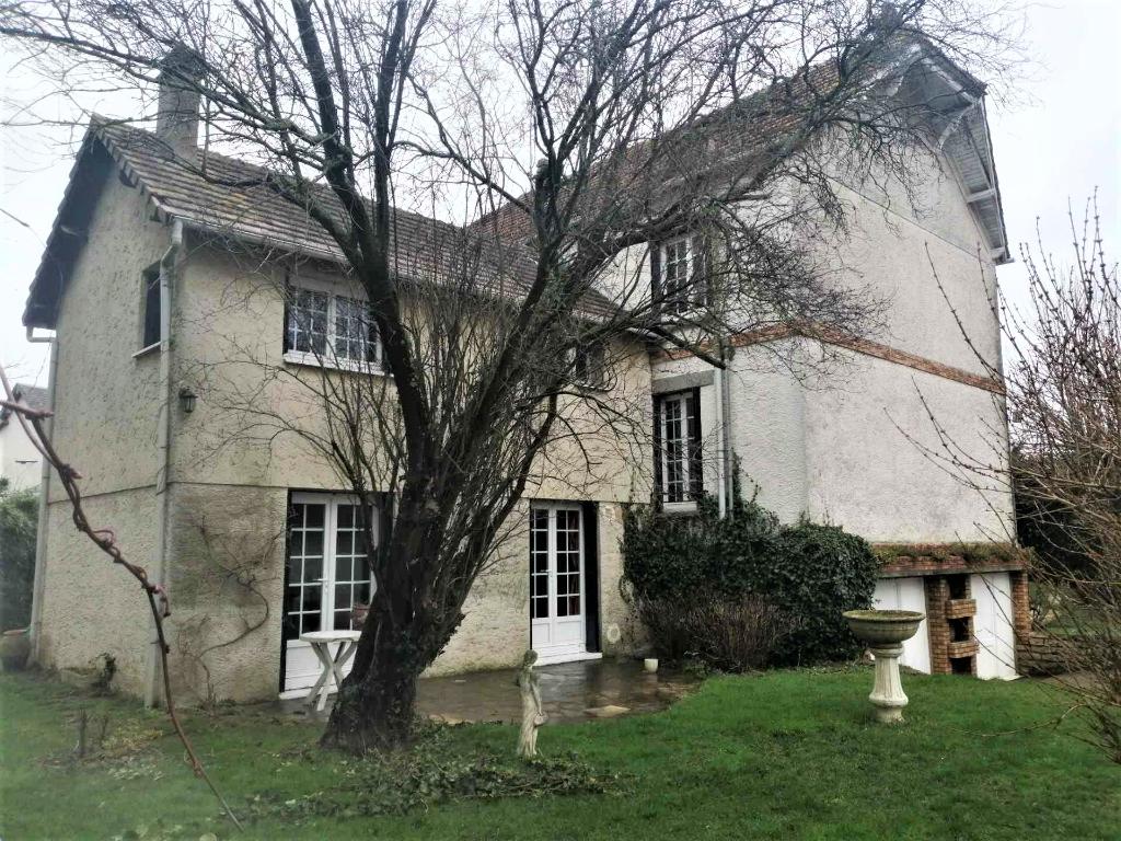 Maison traditionnelle avec local de 200m²