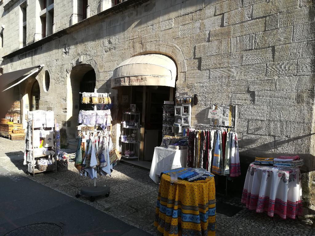 Fonds de commerce à 2 mn du Palais des Papes