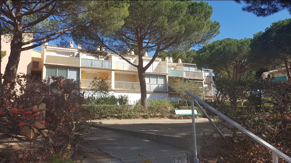 LOC A L ANNEE MEUBLEE STUDIO CABINE Cap d'Agde