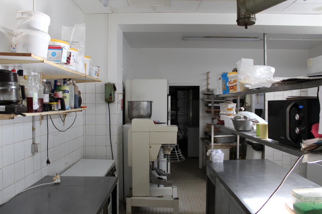 Local commercial Grenade Sur L Adour 16 pièce(s) 350 m2