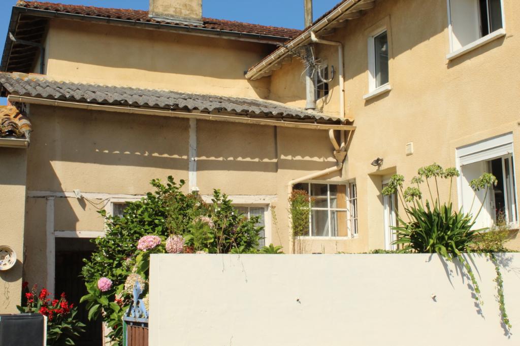 Maison Momuy 8 pièce(s) 175 m2