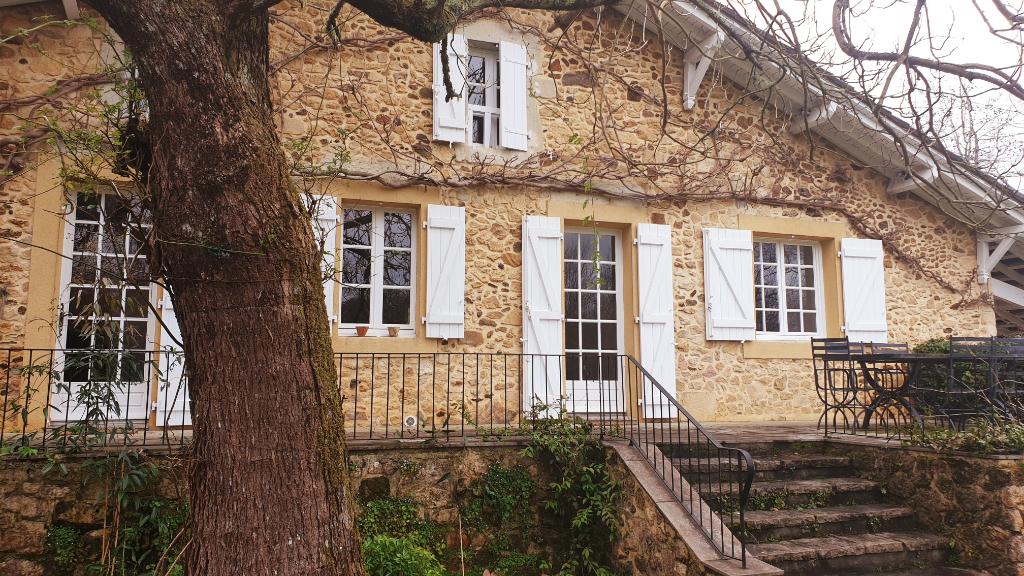 Maison Larbey 9 pièce(s) 214 m2