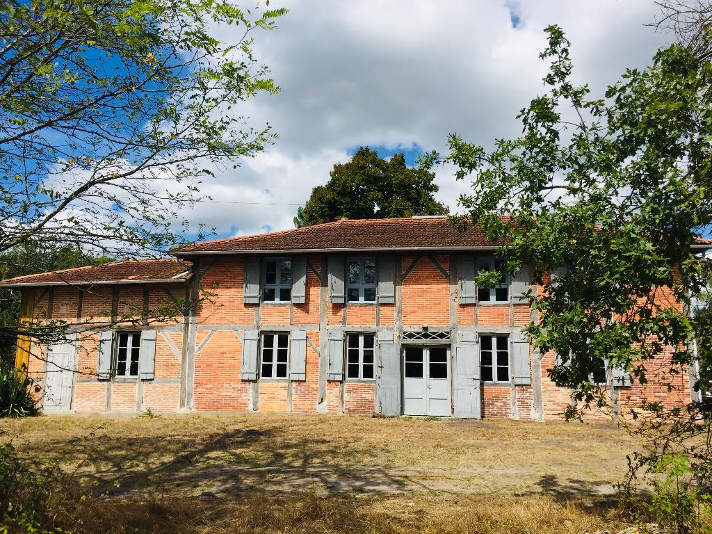 Maison Onesse Et Laharie 7 pièce(s) 320 m2