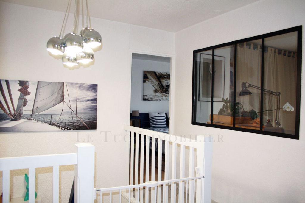 Villa 4 faces T5 sur 610 m² de terrain clos et dépendances