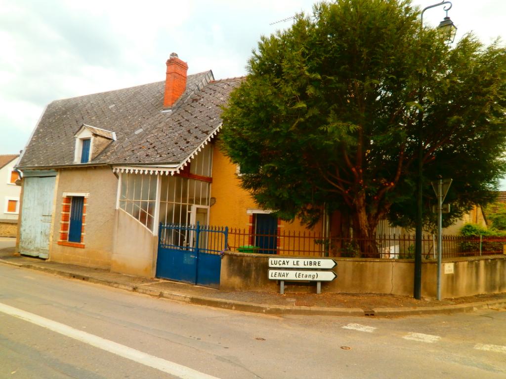 MAISON DE BOURG +GRANGE+JARDIN