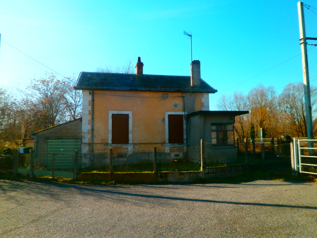 MAISON DE 2 PIECES+GARAGE+JARDIN