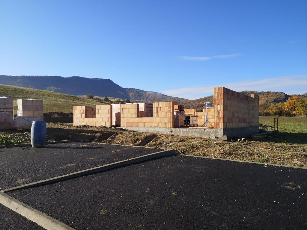 Terrain Constructible Proche NYONS