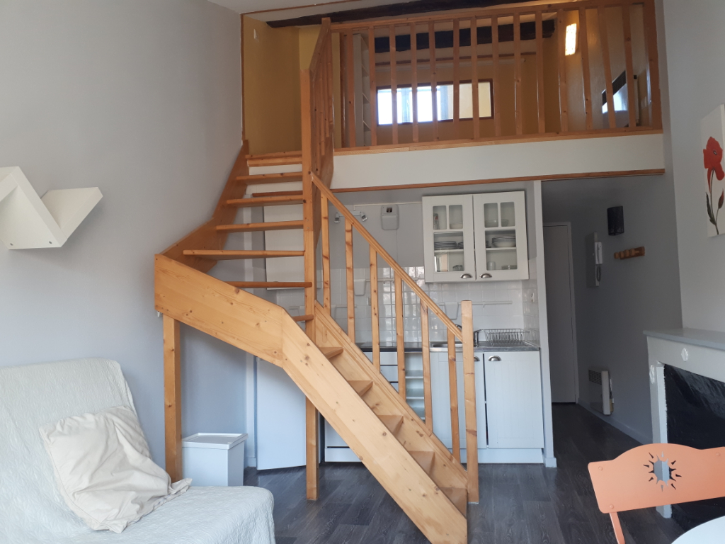 Appartement Le Puy En Velay 1 pièce(s) 23.54 m2