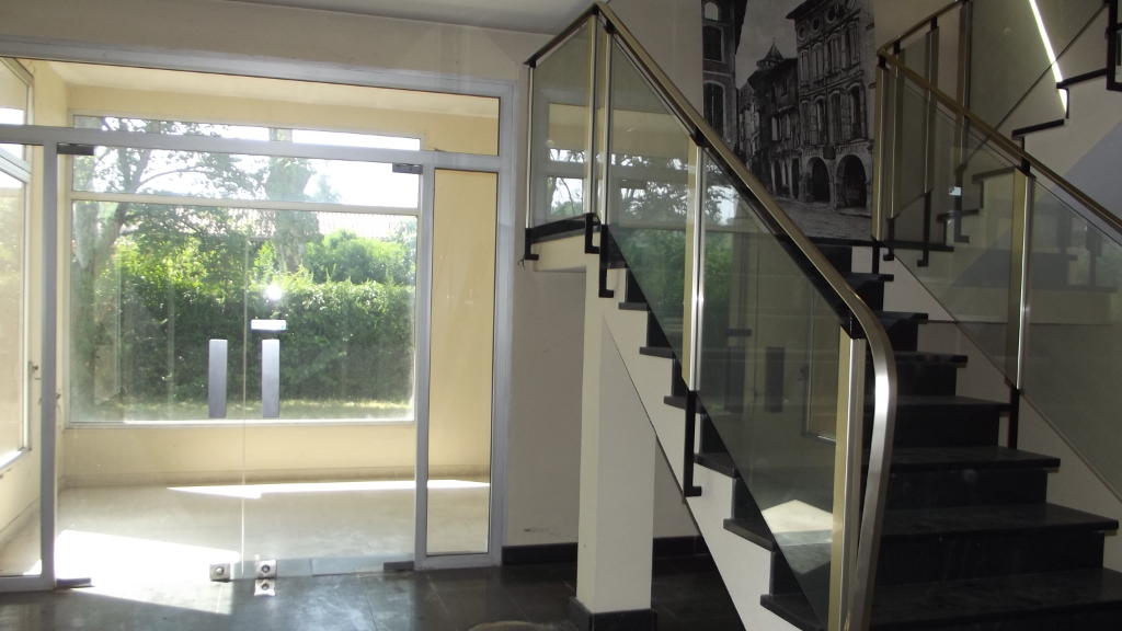 RABASTENS Immeuble 30 pièces 1830 m²