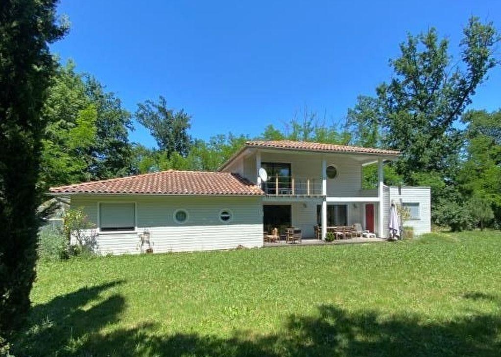 Maison Rivieres 5 pièce(s) 147 m2