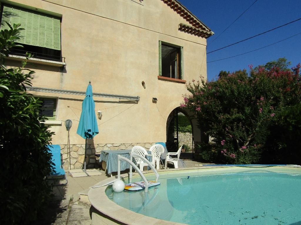 Maison 210 m2 Mollans sur Ouveze 26170 avec piscine et jardin. 0618473547