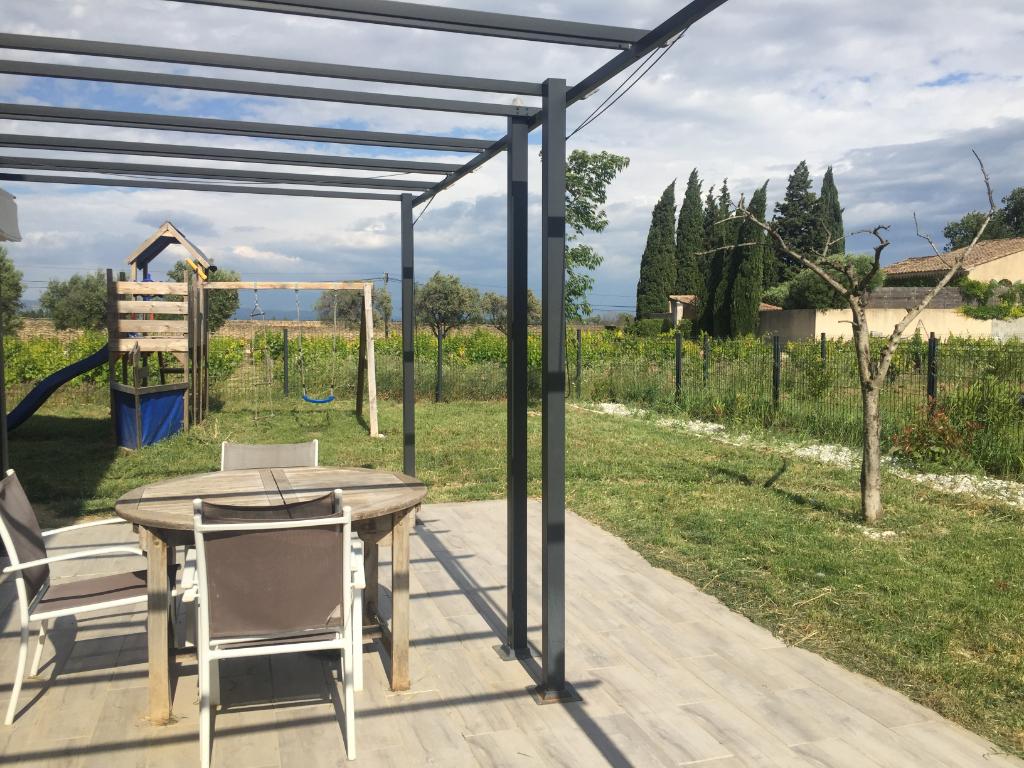 Magnifique Villa neuve avec vue du Mont Ventoux et ses vignes à découvrir à Courthézon 0668368774