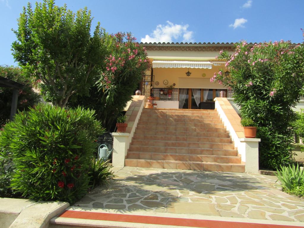 Magnifique Villa  8 pièce(s) 228 m2 plein centre de Nyons proche commodités. 0699425308