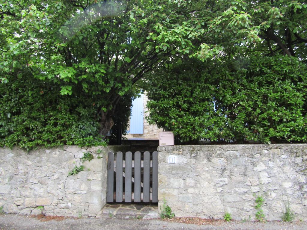 Très coquette maison à Lemps (26) 4 pièce(s)  84 m2 sans travaux au calme dans petit village pittoresque. 0699425308