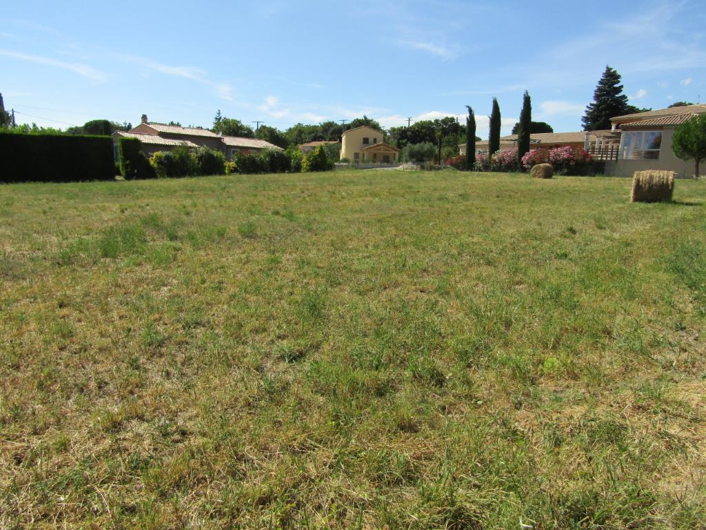 Terrain  constructible viabilisé de1600 m².0633719987