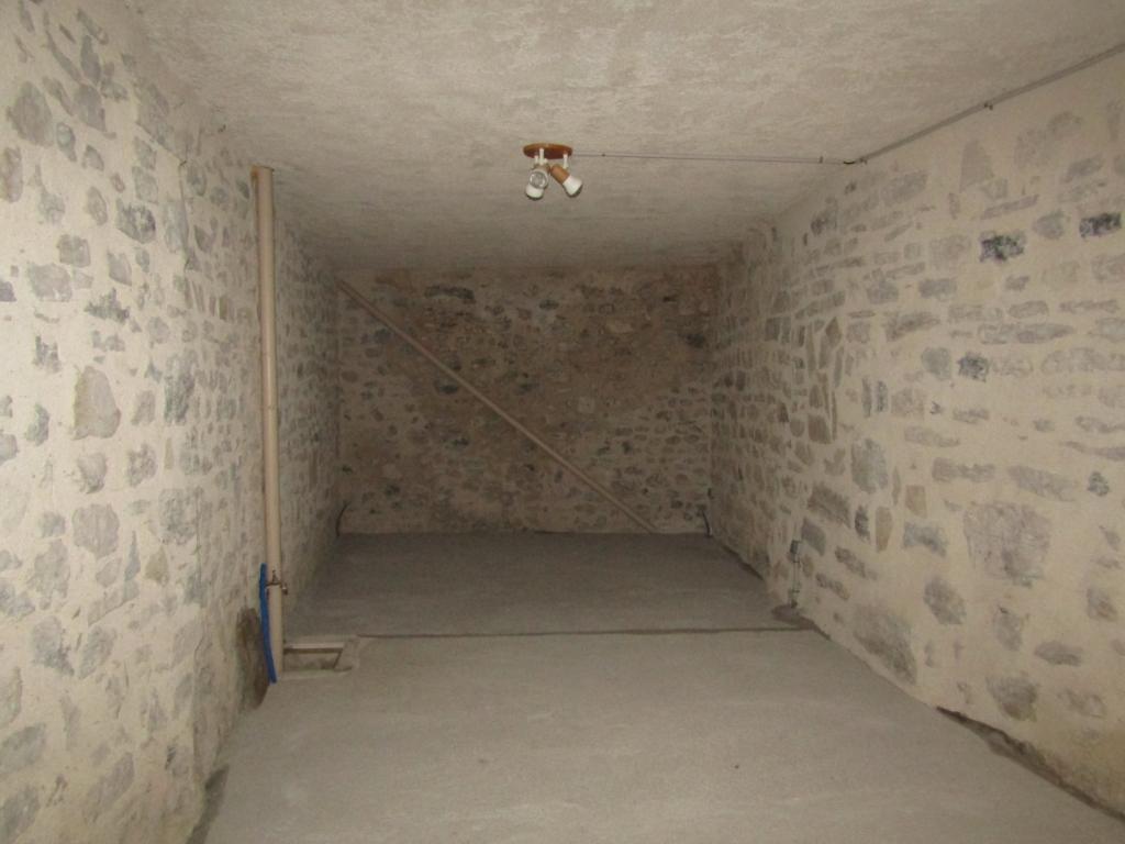 Maison Sainte Jalle 5 pièce(s) 150 m2 gros potentiel : 0699425308