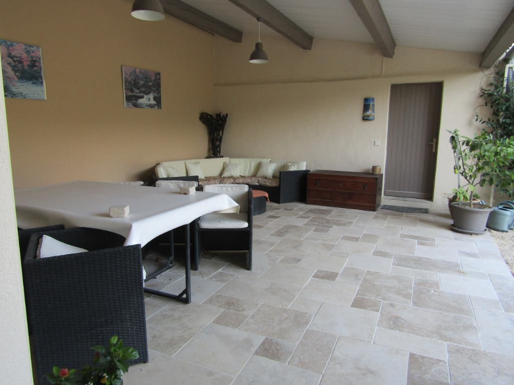 Grande maison 11 pièce(s) 205 m² sur 21800 m² de terrain.0633719987