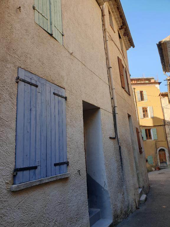 Maison de village Nyons 4 pièce(s) 52 m2 0618473547