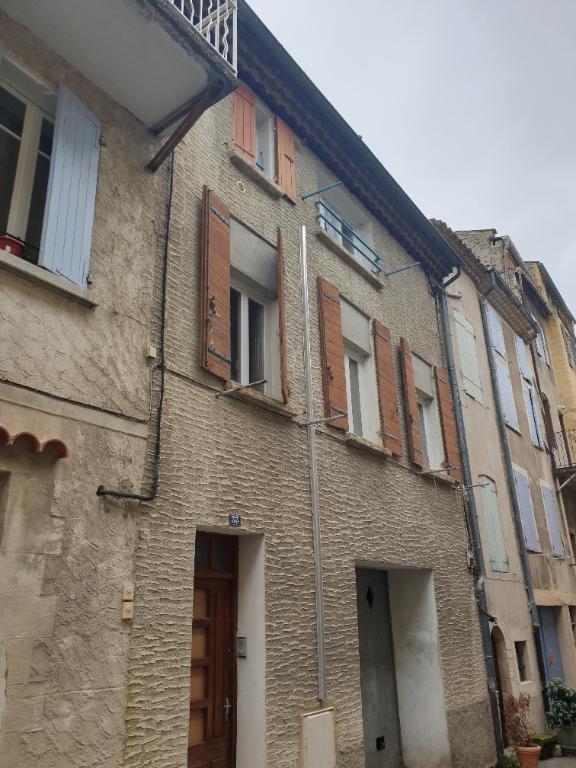 Immeuble à Nyons avec 2 appartements de 2 pièce(s)  0618473547