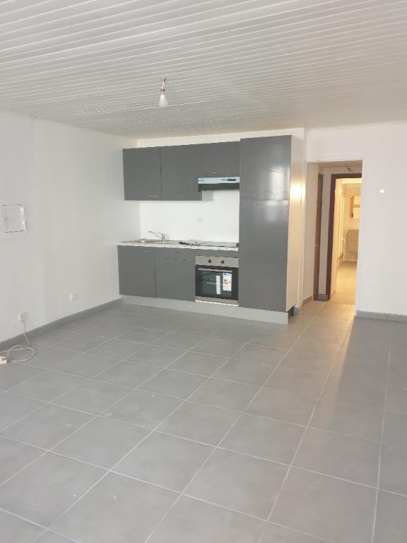 Studio rénové à Nyons 1 pièce(s) 34 m2 - 0618473547