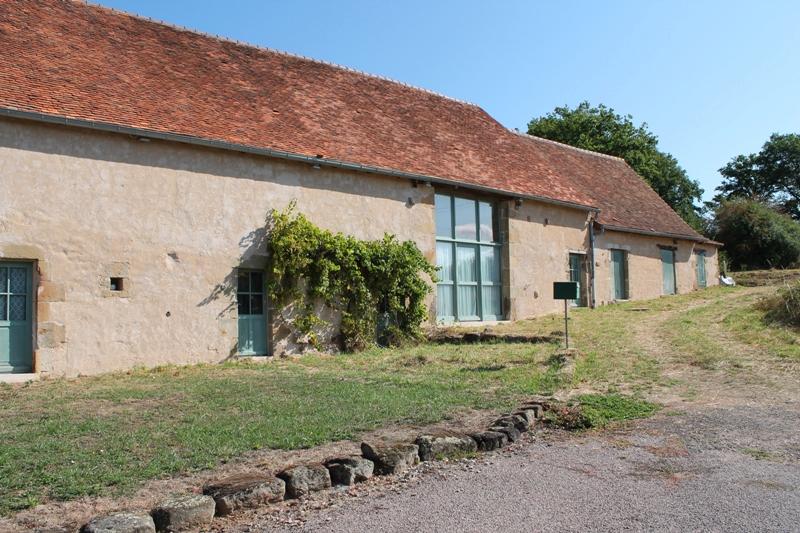 Vieure -Très spacieuse maison sur environ 1 ha de terrain avec une belle vue.