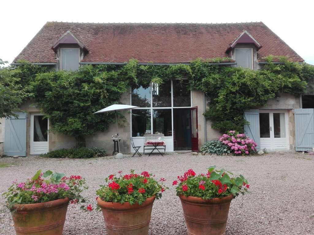 Valigny -Farmhouse with 4 guest rooms or large family house on 4.5 hectares