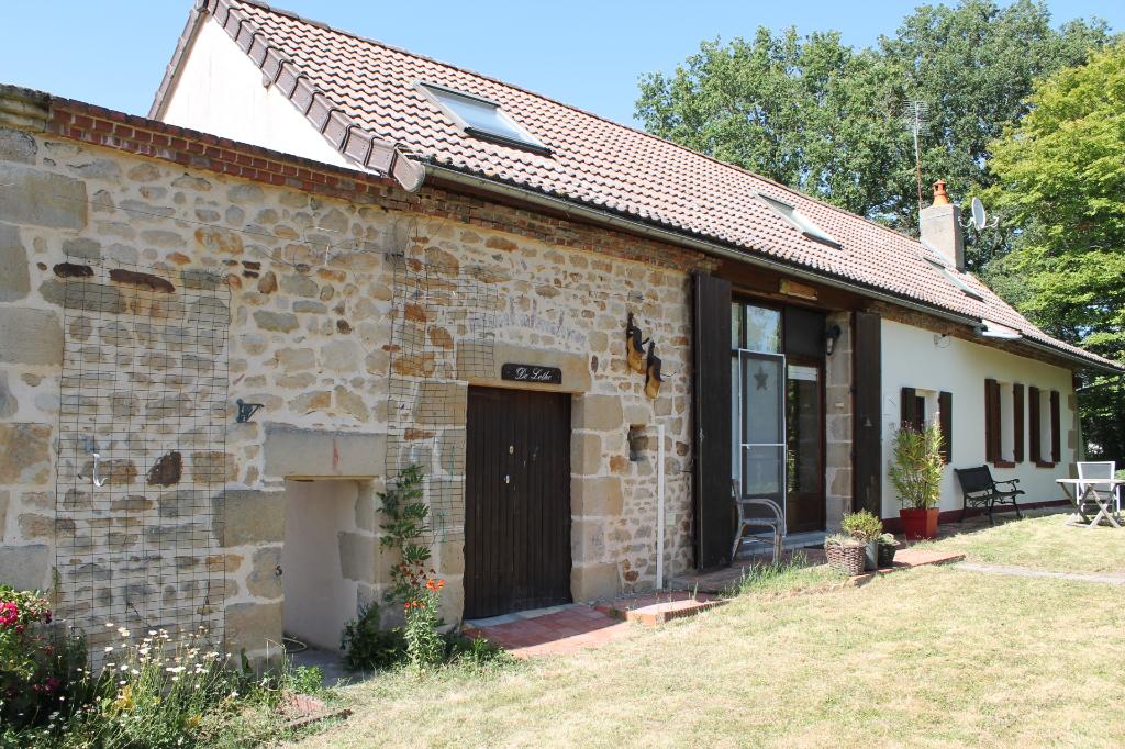 Vieure - Fermette entièrement rénovée avec vue imprenable dans un endroit isolée.Maison Vieure 4 pièce(s) 120 m2