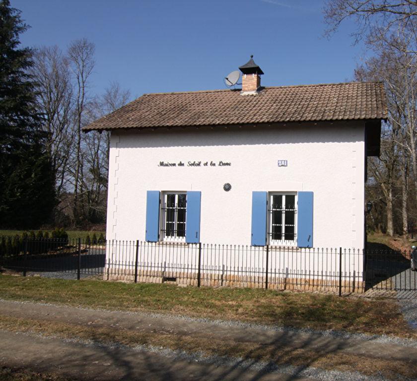 St Marien - Maison , ancien Gare dans une zone boisée, endroit isolé avec  un terrain de 2000 m²