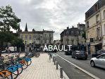 LOCAL commercial à louer Bordeaux euratlantique 140M² environ.