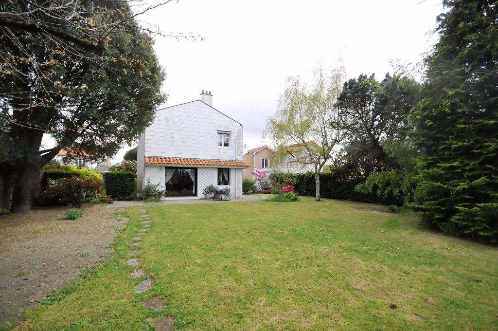 Maison Bouguenais  7 pièce(s) 136 m2