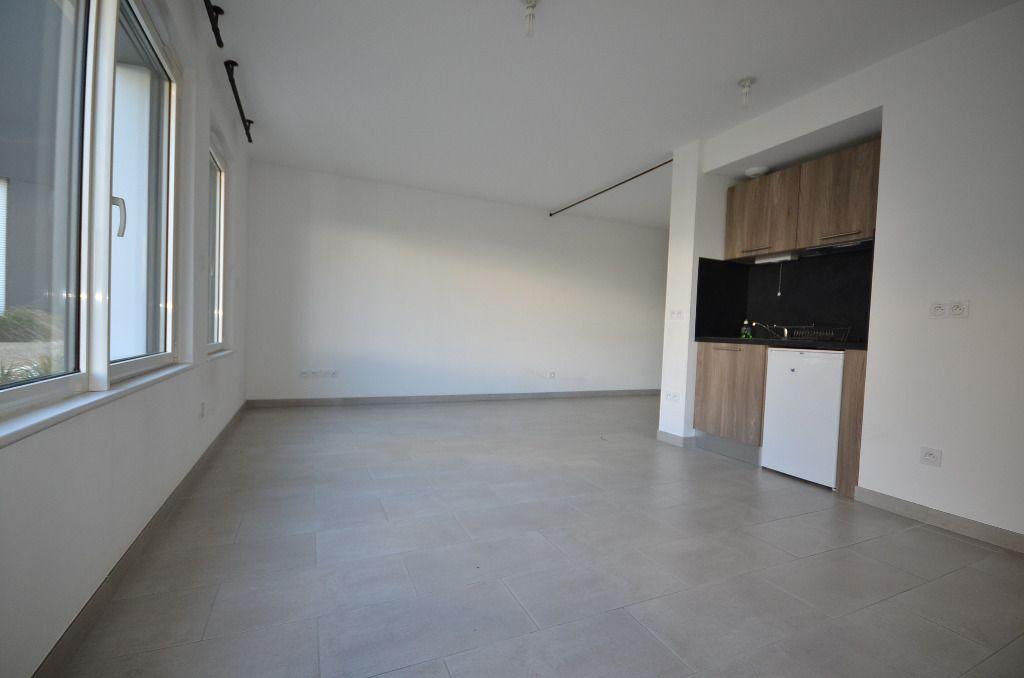 BREST STRASBOURG -  Studio BBC de 35 m² avec parking