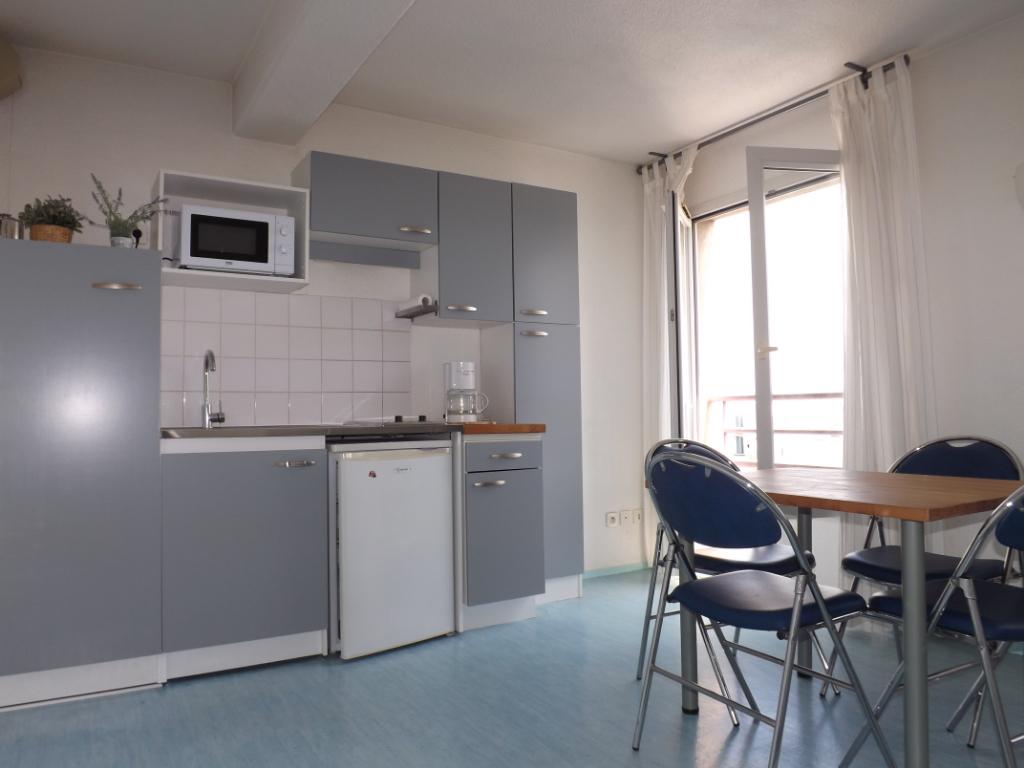 Appartement BREST CENTRE  beau T1Bis- ASCENSEUR