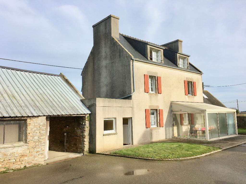 Maison 110 m2 corps de ferme Ploudalmézeau