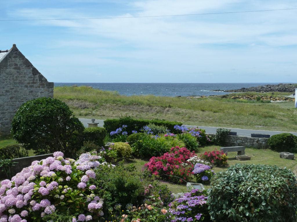 Pointe du Finistère Nord. Porspoder. VUE MER . Maison des années 60.