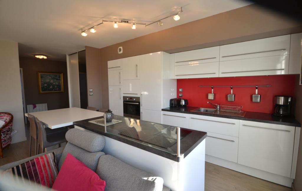 BREST KERINOU/CROIX-ROUGE - Appartement T3 meublé de 61m² avec balcon, cave et place de stationnement