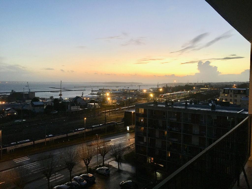 VENDU- Gambetta - Appt 87 m2 4 pièces 7ème étage vue rade Brest