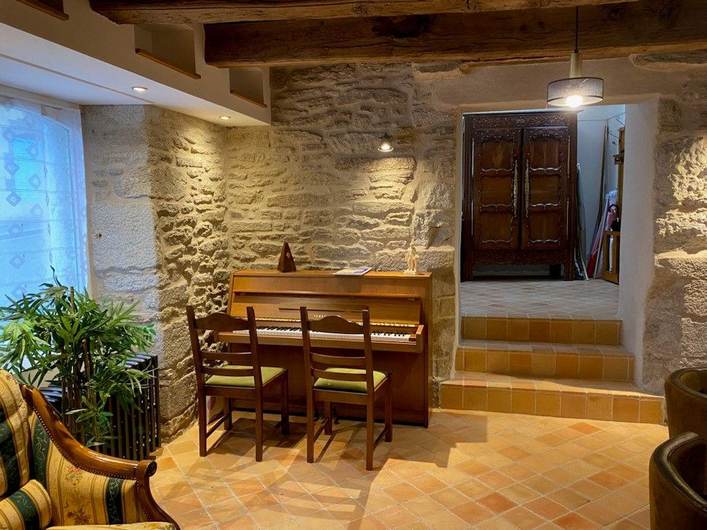 SOUS OFFRE - Maison plein coeur de Saint Renan rénovée à neuf