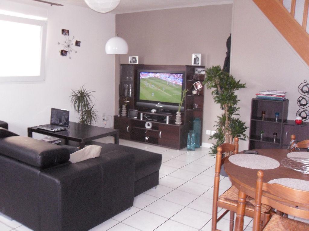 Appartement 80 m2 4 pièces sur 3 niveaux Ploudalmezeau