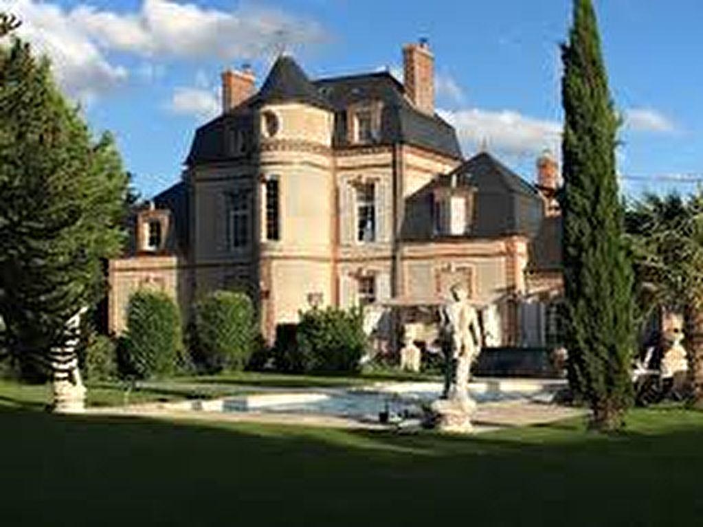 Normandie Somptueux château Napoléon 3  14 pièce(s) 475 m2  restauré