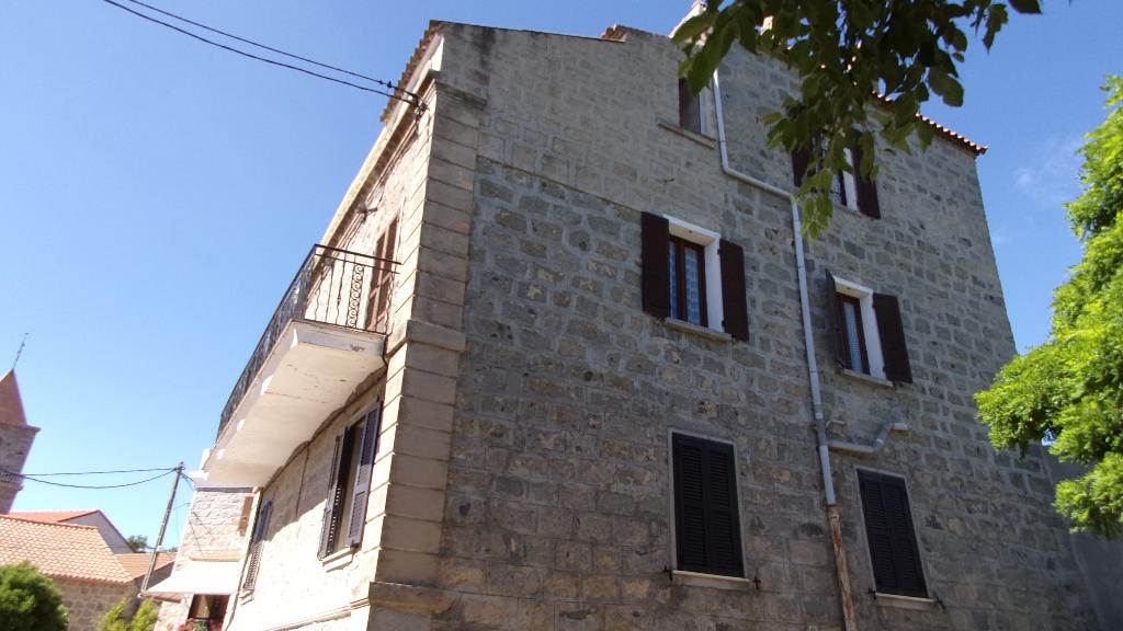 Charmante Maison  en pierre à Giuncheto 5 pièce(s) 120 m2 proche sartene