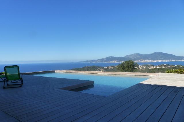 Demeure de prestige  Rive Sud  Agosta belle  Vue Mer.  4 pièce(s) avec piscine