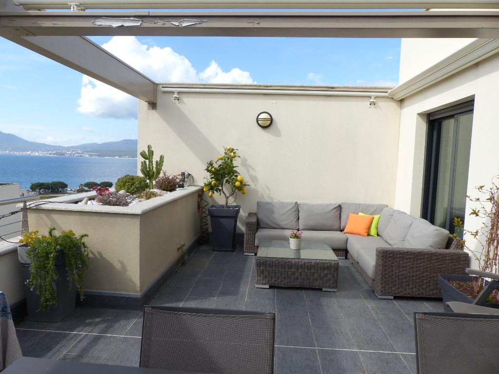 Porticcio Centre 2 pièce(s) 50 m2 belle  vue mer dans résidence sécurisée