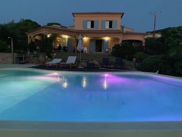 Demeure de prestige Albitreccia 8 pièce(s) 220 m2 bord de mer avec piscine