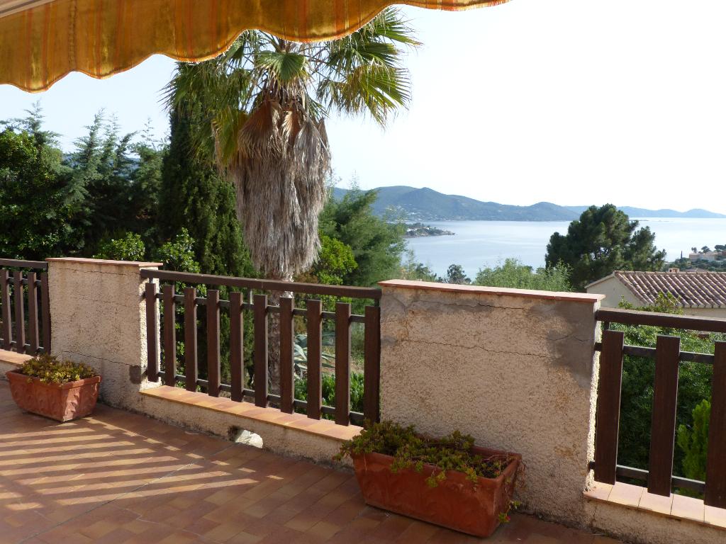 Pietrosella Villa  tradotionnelle  5 pièce(s) 170 m2 belle vue mer avec garage