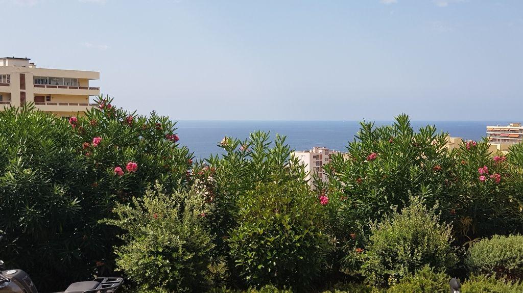 Appartement Ajaccio Sanguinaries 1 pièce(s) 35 m2 petite vue mer